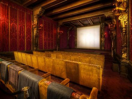 Обои Старинный кинотеатр