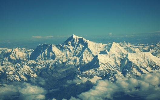 Обои Вид на заснеженные вершины Эвереста с самолета