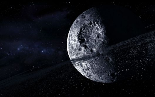 Обои Мертвая звезда испещренная кратерами от астероидов, с астероидным поясом на орбите