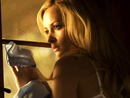 Обои Красивая блондинка