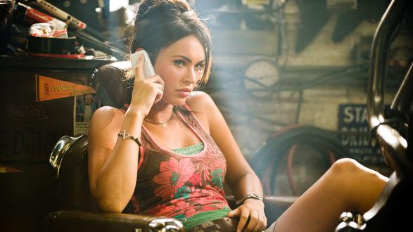 Обои Меган Денис Фокс / Megan Denise Fox кадр из фильма Трансформеры / Transformers