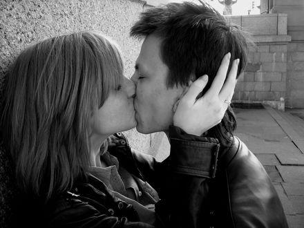 Обои Поцелуй