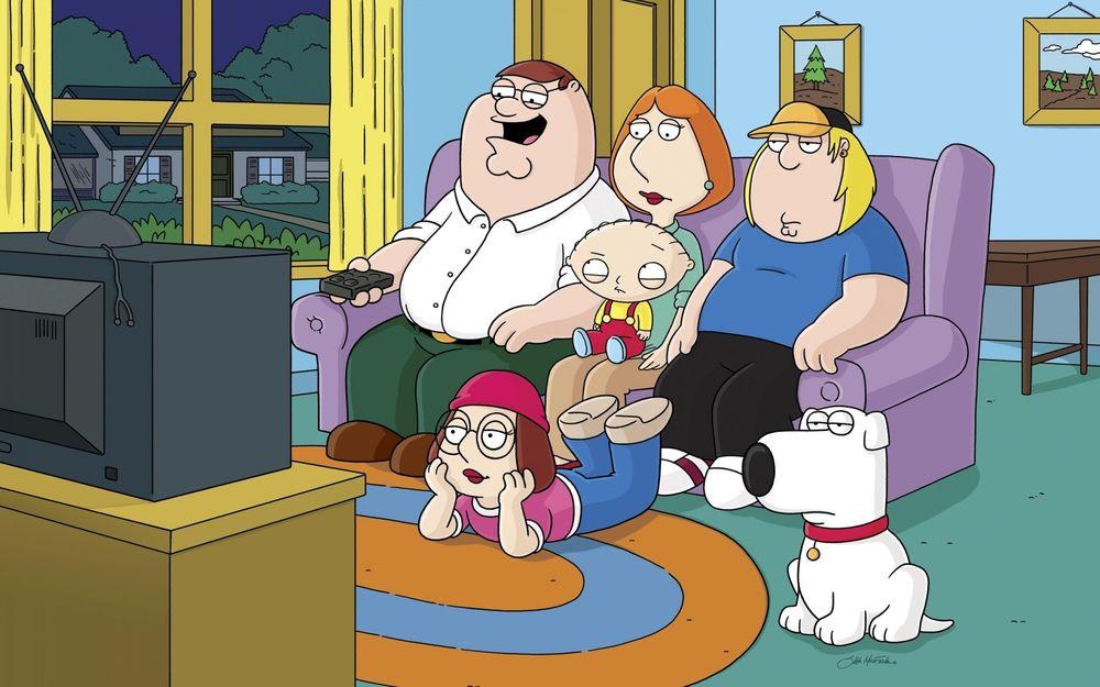 Обои Семья Гриффинов перед телевизором из мультфильма Гриффины / Family Guy  на рабочий стол