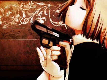 Обои Генриетта из аниме 'Школа убийц / Gunslinger Girl' с пистолетом