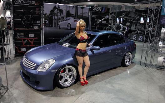Мастурбируют девушки около машины капроне секс даной