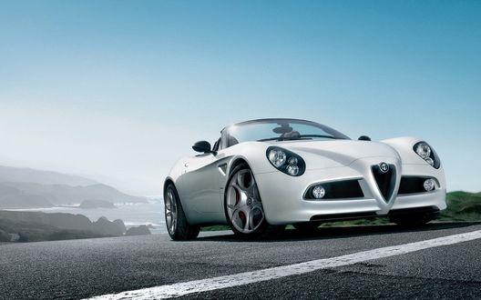 Обои Белая Alfa Romeo