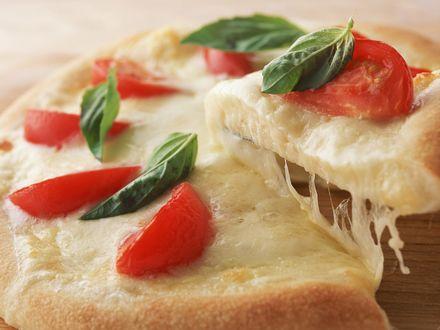 Обои Пицца с помидорами