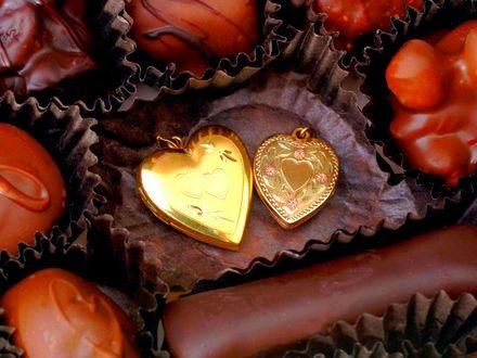 Обои Конфеты, медальон, сердечки, шоколад, крем