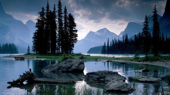 Обои Речка. Вид на горы и лес.