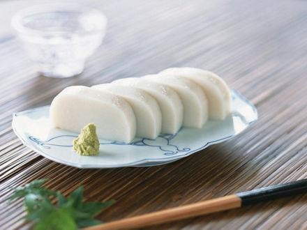 Обои Сыр тофу и васаби, рядом палочка для еды