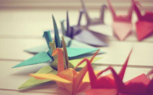 Обои Разноцветные оригами-журавлики