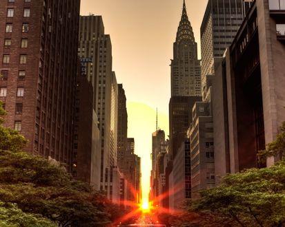 Обои Восход солнца в Нью-Йорке / New York с видом на Крайслер-билдинг / Chrysler Building, США / USA