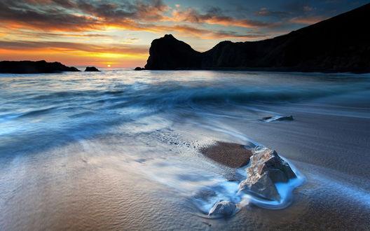 Обои Красивое, таинственное море на закате дня