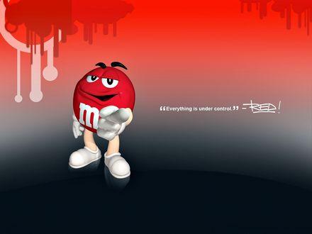 Обои Красный m&m's указывает пальцем ('Everysing is under control' - RED)