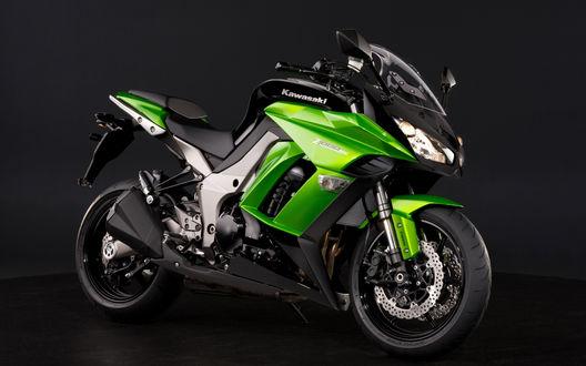 Обои Kawasaki Z1000SX  зелёного цвета