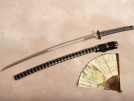 Обои Веер и японский меч - катана с ножнами