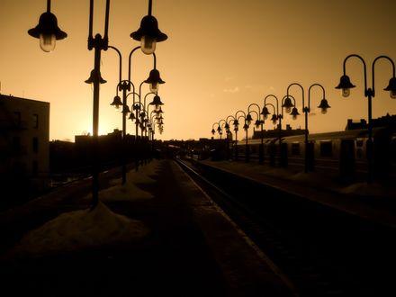 Обои Где-то в Турции - железная дорога, красивые фонари