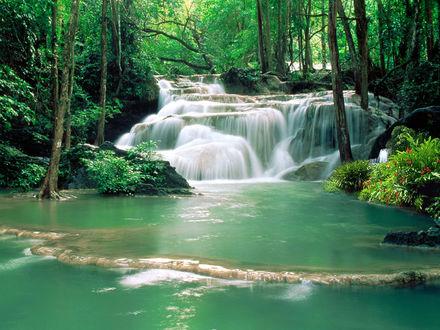 Обои Водопады возле храма Као Пан / Kao Pun, город Канчанабури / Kanchanaburi , Тайланд