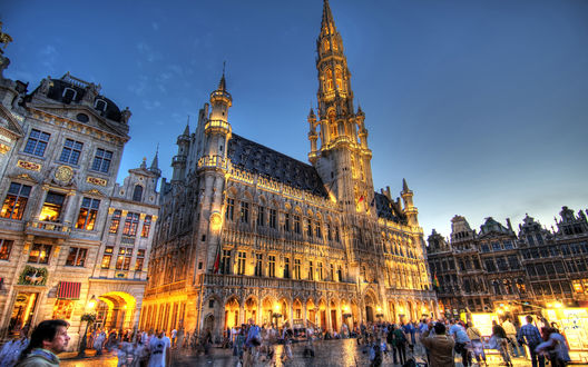 Обои Здание ратуши на площади Гран-Плас / Grand Place в Брюсселе, Бельгия