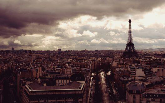 Обои Париж перед дождем