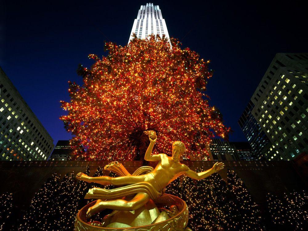 Обои для рабочего стола Рождественские декорации на Таймс Сквер / Times Square, Нью Йорк, США