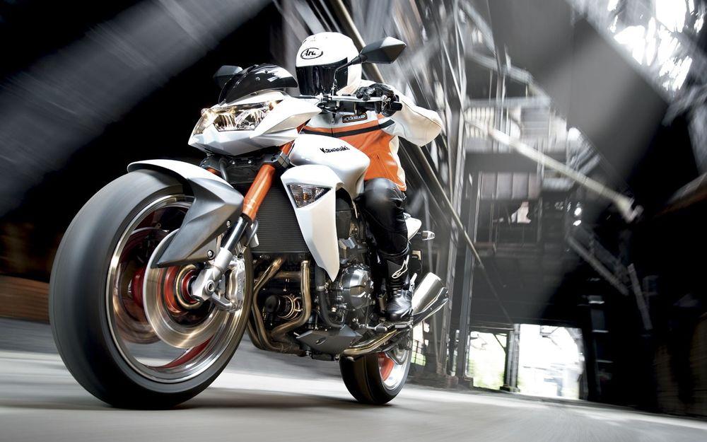 Обои для рабочего стола Kawasaki_Z1000