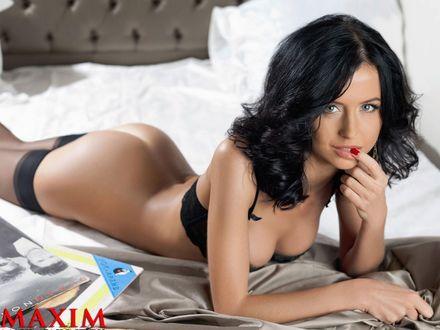 Обои Актриса Мирослава Карпович в фотосессии для журнала Maxim