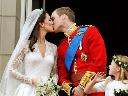 Обои Свадебное фото Кэтрин Элизабет Миддлтон / Catherine Elizabeth Middleton и Уильяма Артура Филипа Луиса / William Arthur Philip Louis