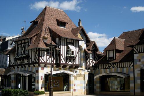 Обои Магазин Hermes в городе Довиль / Deauville,  Франция