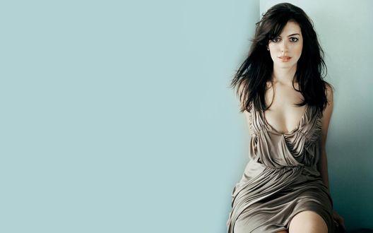 Обои Популярная актриса Энн Хэтэуэй / Anne Hathaway