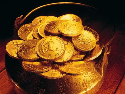 Обои Котелок, заполненный доверху золотыми монетами