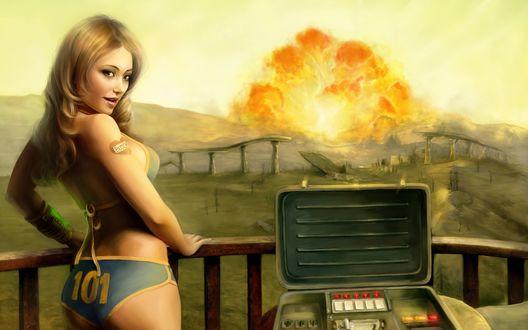 Обои Девушка-диверсант с №101 и с тату на плече взрывает вражеский объект (Butch)