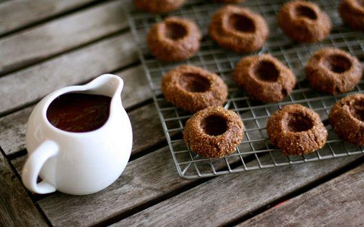 Обои Шоколадные криспы и заварочный чайник