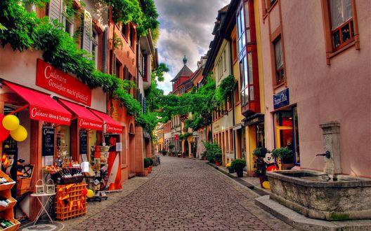 Обои Уютная улочка с магазинами в Швейцарии / Switzerland (Culinara GenieBen macht glucklich)