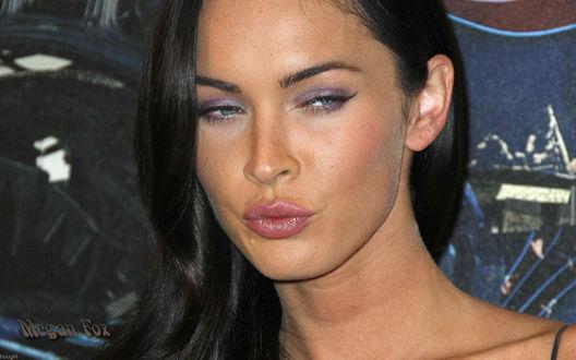 Обои Меган Фокс / Megan Fox надула губки