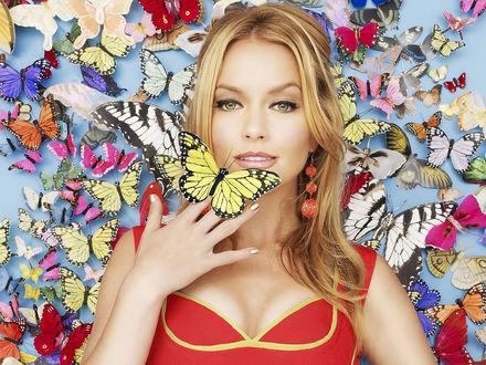 Обои Бекки Ньютон / Becki Newton с бабочками