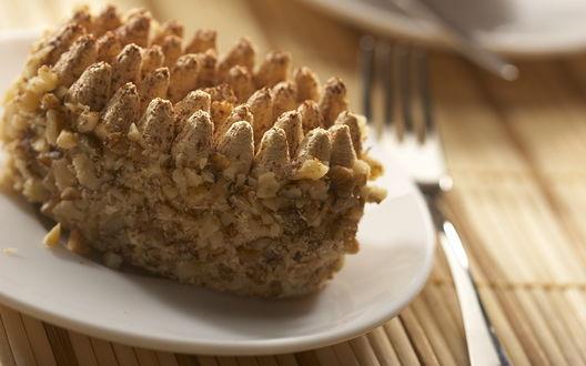 Обои Пирожное с орешками
