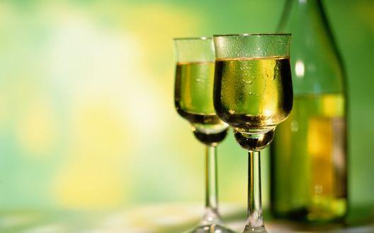 Обои Два бокала с вином