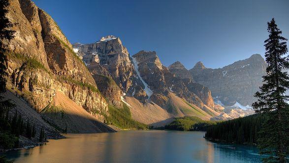 Обои Ледниковое Озеро Морейн, Альберта, Канада / Moraine Lake, Banff National Park, Canada