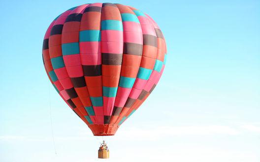 Обои Воздушный шар в небе