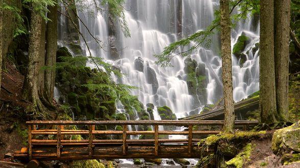 Обои Водопад Рамона (Ramona Falls). Водопад Рамона расположен на западной стороне горы Худ, штат Орегон, США
