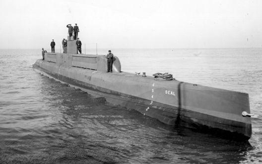 Обои Субмарина Ю.З / U.S. SUBMARINES в надводном плаванье (Seal)