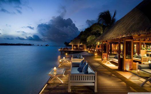Обои Прекрасный, летний вечер на тропическом курорте