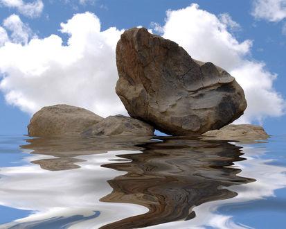 Обои Камни лежат в воде