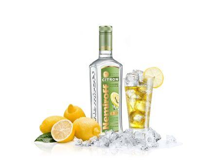 Обои Лимонная водка Немироф / Nemiroff, лимонный коктейль со льдом