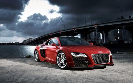Обои Audi R8 / Ауди Р8 красного цвета стоит не далеко от моста