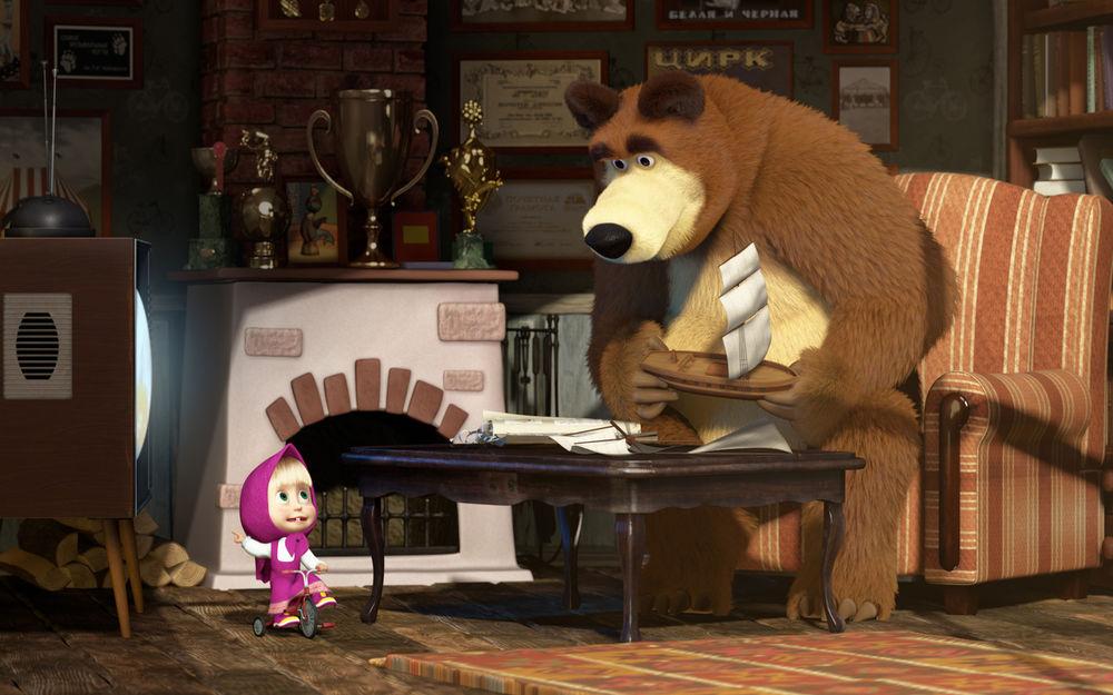 Обои для рабочего стола Маша с Медведем смотрят телевизор - м/ф Маша и Медведь