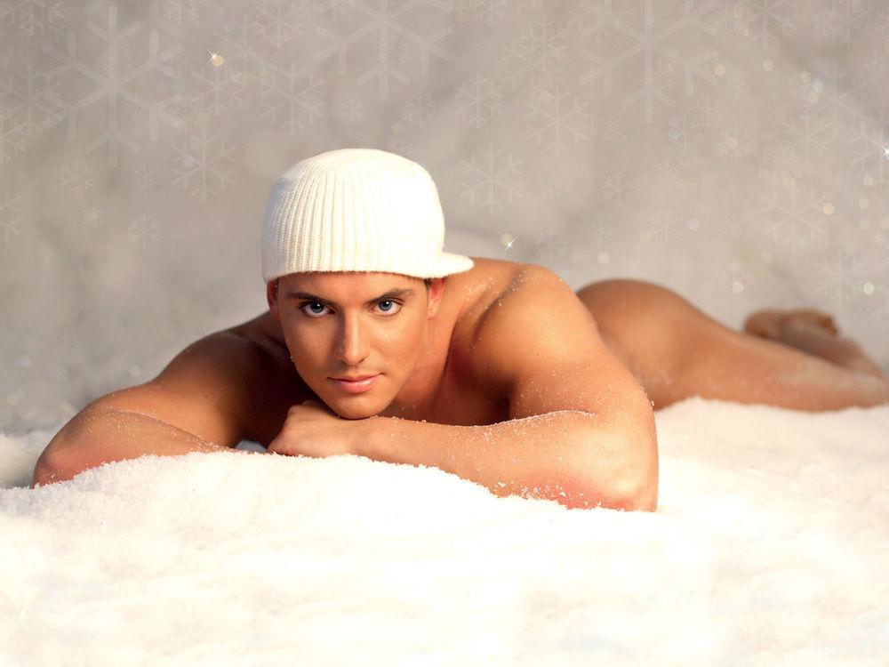 Фото парни голые на снегу фото 46-991