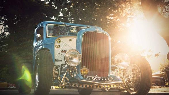 Обои Стильный ретро автомобиль голубого цвета Hot-rod / Ход-род (Dcecpe)