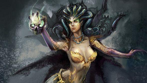 Обои Медуза Гаргона держит в руке магический череп